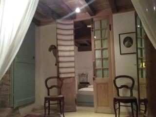 Grote natuurstenen vakantiewoning voor 6 7 personen bij kasteel met zwembad in frankrijk bourgogne - Decoratie hoofdslaapkamer ...